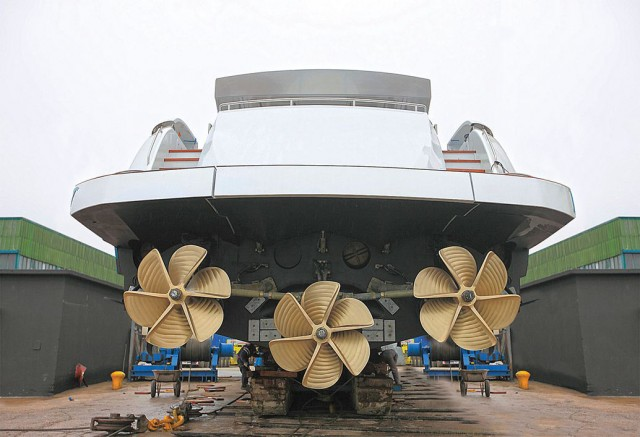 3 large boat propellers are used on this mega yacht.
