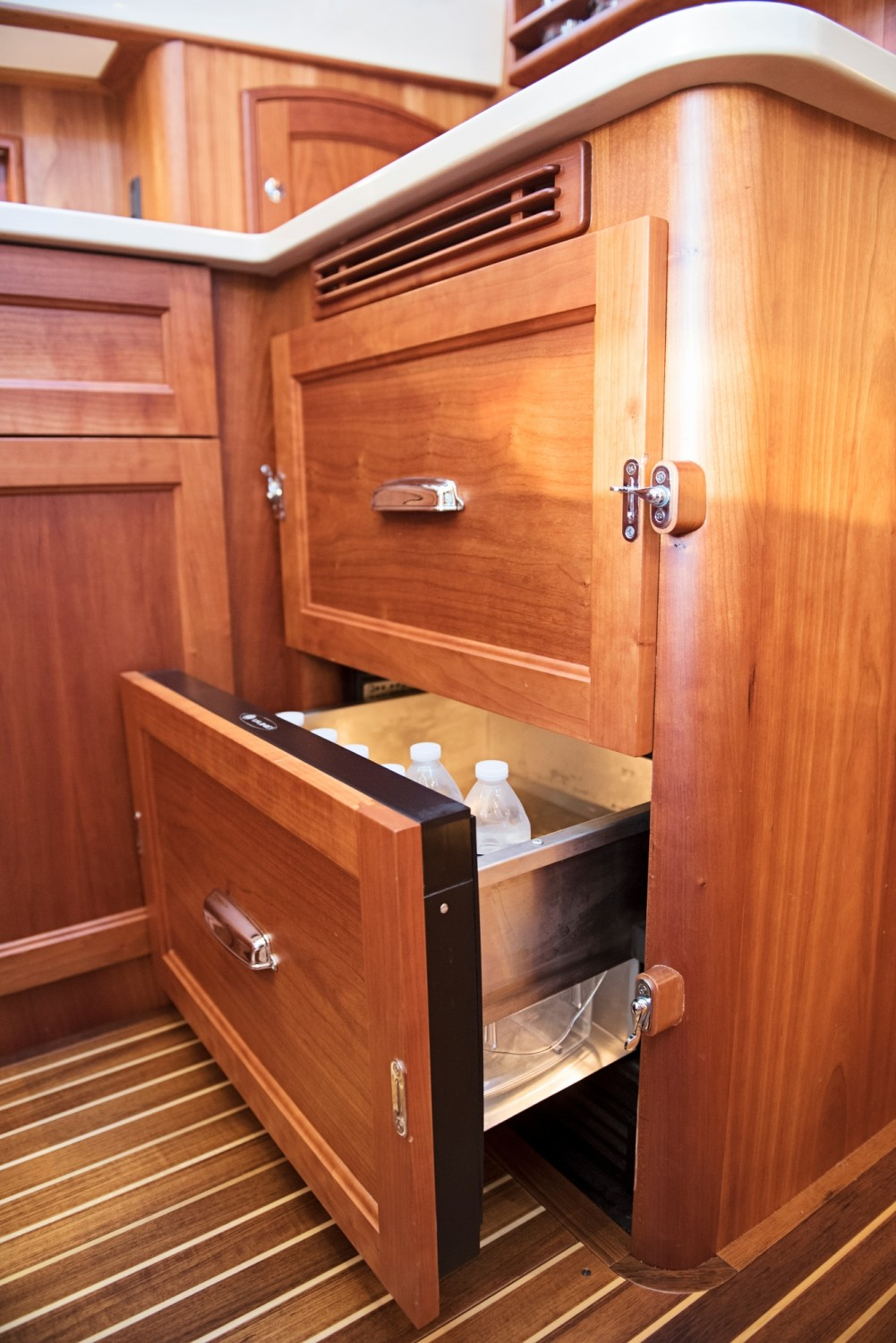 Hinckley 48 Flybridge for Sale_ 014