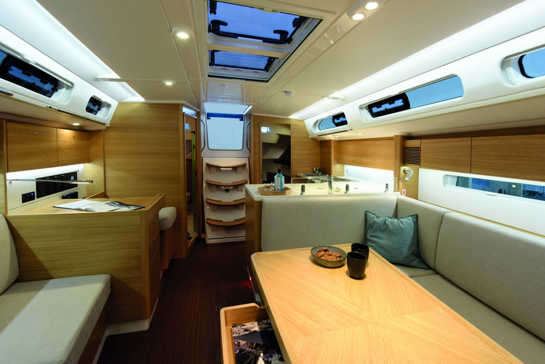 X-yachts20597-1920x1281