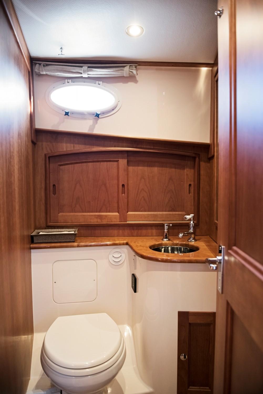 Hinckley 48 Flybridge for Sale_ 018