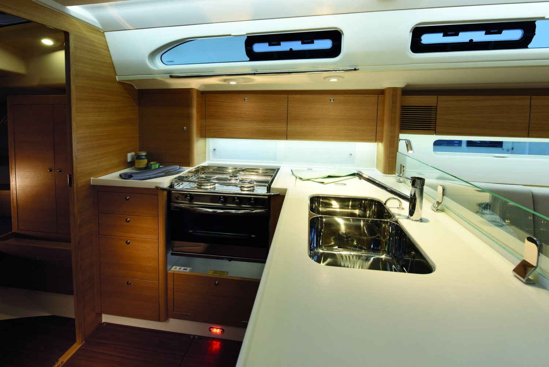 X-yachts20605-1920x1281