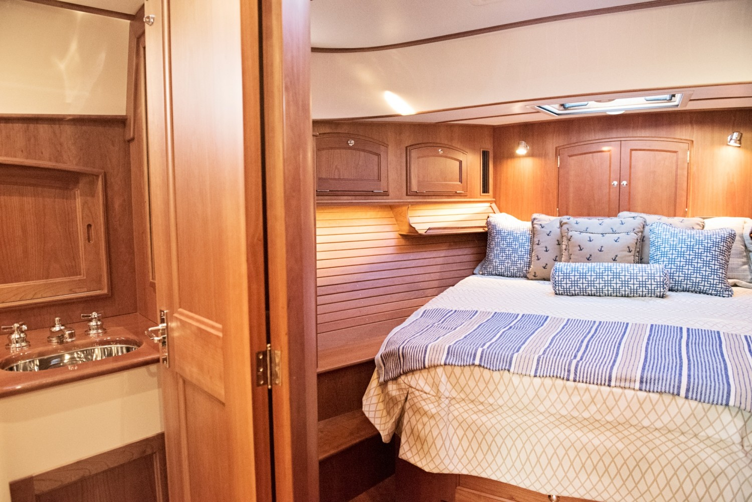 Hinckley 48 Flybridge for Sale_ 026