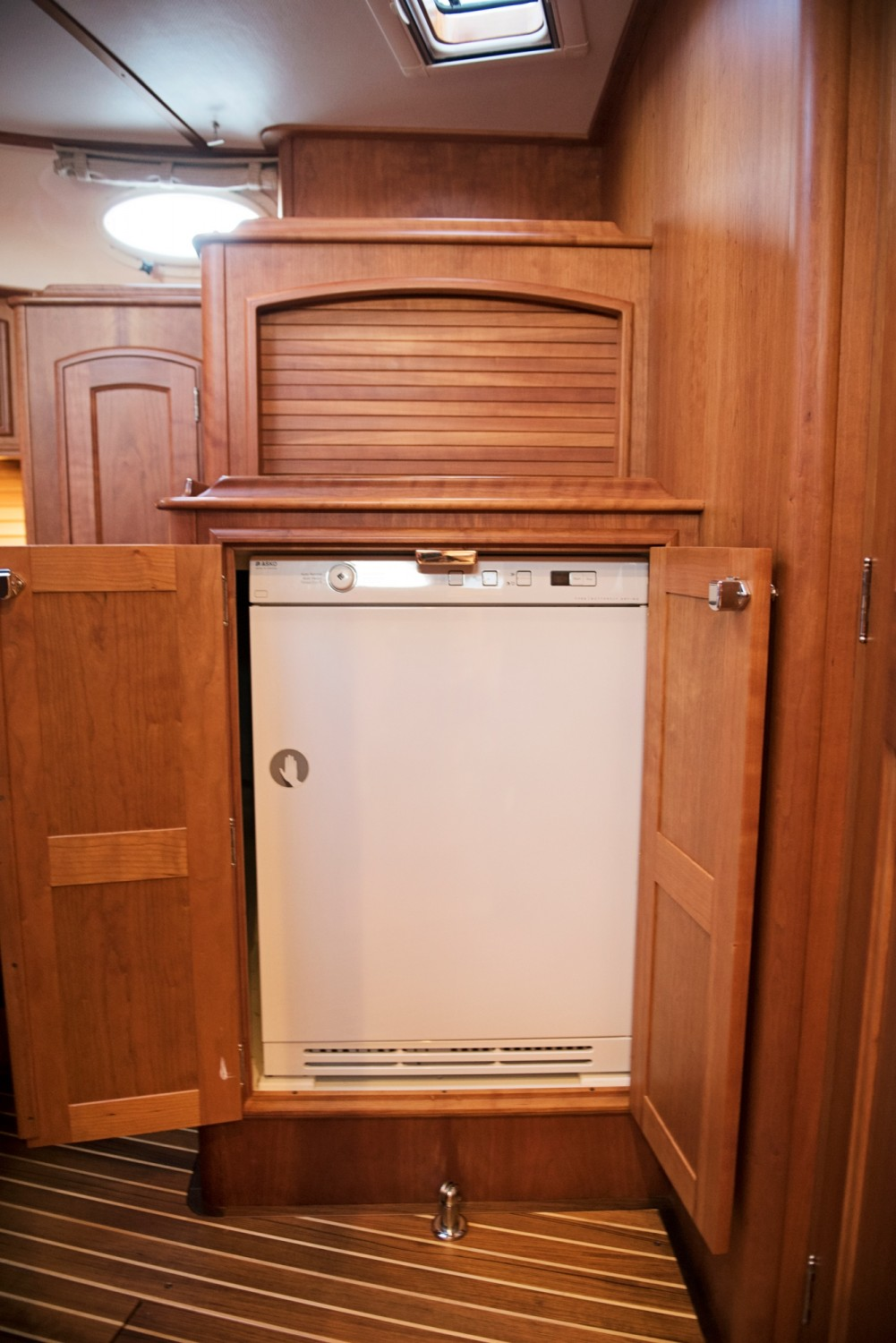 Hinckley 48 Flybridge for Sale_ 028