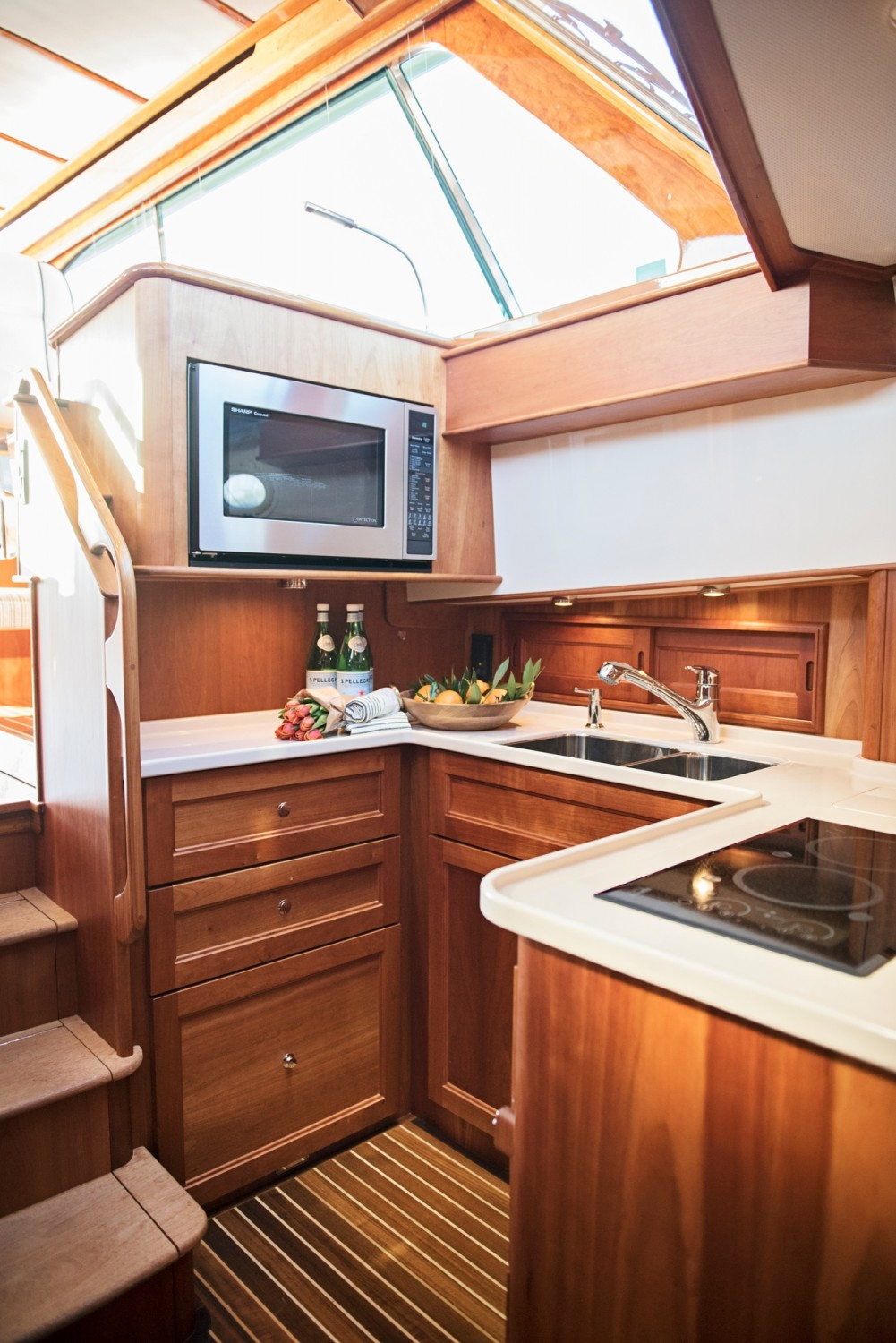 Hinckley 48 Flybridge for Sale_ 013