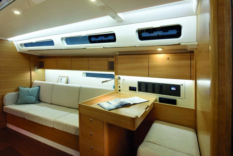 X-yachts20568-1-1920x1281