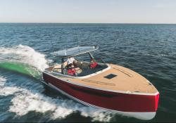 X-Yachts-Power-33c02